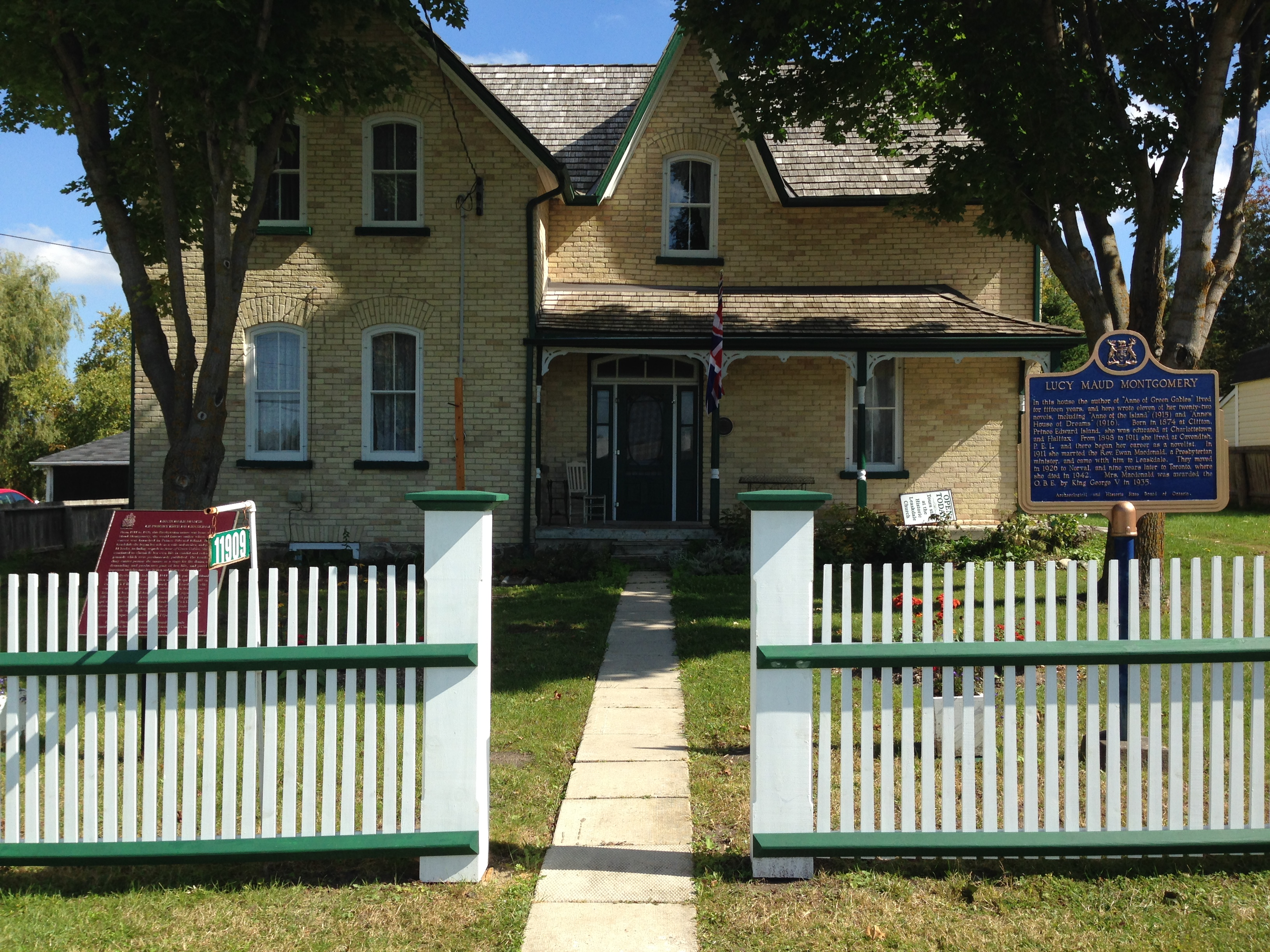 Maud would ve approved lucy maud montgomery society of for Montgomery house